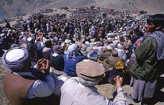 Afganistan'da anma törenine bombalı saldırı...