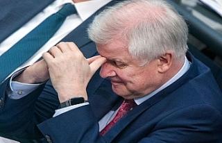 Alman İçişleri Bakanının istifası için kampanya