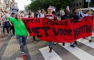 Hollanda'da AB'nin göç politikaları protesto...