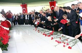İçişleri Bakanı'ndan Menderes'e vefa