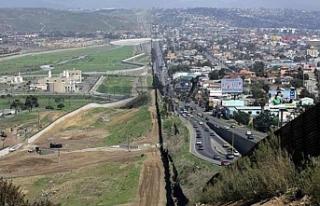 Meksikalı göçmenlere ABD'yi terketmek için...