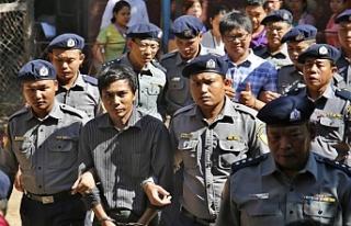 Reuters muhabirlerine hapis cezasıverildi