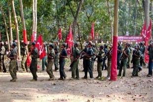 Hindistan'da 12 Maocu militan öldürüldü