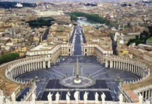 Vatikan 'köstebek' skandalıyla sallanıyor