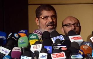 Mısır'da Mursi meydan okudu