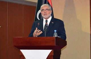 Libya'da başbakan istifa etti