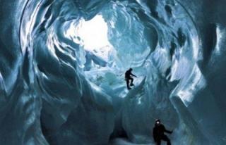 Şaşırtan buz mağaraları / FOTO