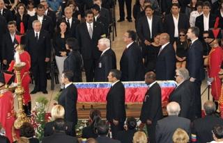 Liderler, Chavez'in cenazesine katıldı