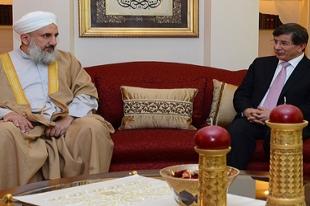 Davutoğlu: Mezhepçi politika izlemiyoruz