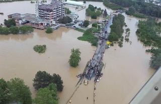 Japonya'dan Bosnalı sel mağdurlarına destek
