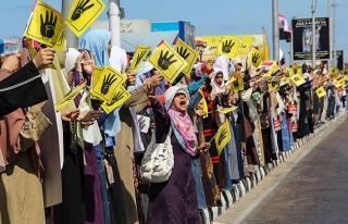 Mısır'da darbe karşıtı gösterilerde iki kişi...