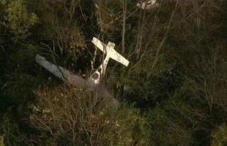 Uçak ile helikopter havada çarpıştı