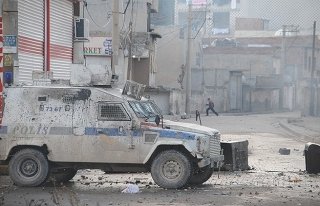 Cizre olaylarında bir polis tutuklandı