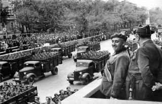 Diktatör Franco 43 yıl aradan sonra mezarından...