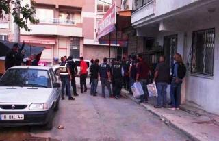 İzmir'de 1 Mayıs operasyonu: 4 gözaltı