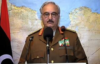 General Hafter Cezayir'de