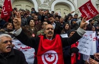 Tunus'ta Yasemin Devrimi'nin 6. yıldönümü yürüyüşü...