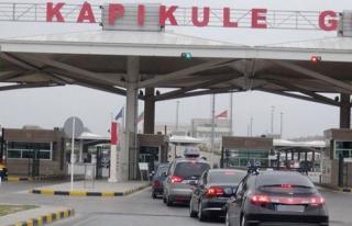 Bulgaristan'a açılan sınır kapılarında tır...