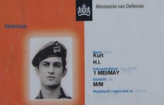 Hollanda polisi emekli Türk kökenli askerini de...