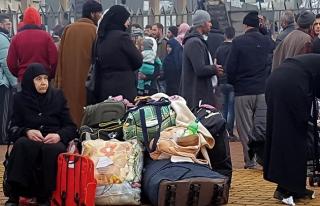 Esed rejiminin kuşattığı Vaer'de tahliyeler başladı