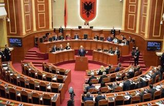 Arnavutluk'ta cumhurbaşkanlığı seçimi 19 Nisan'da