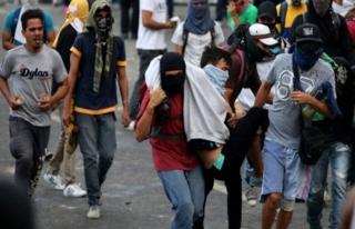 Venezuela'da hükümet karşıtı gösteriler devam...
