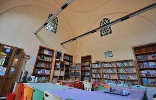İstanbul'da Halk ve Çocuk Kütüphanelerinde Örnek...