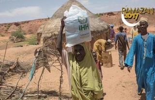 İHH'dan Nijer ve Irak'taki ihtiyaç sahiplerine gıda...