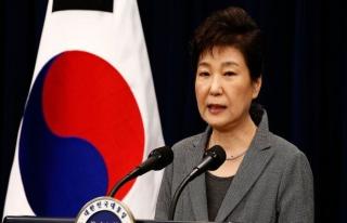 Eski Güney Kore Devlet Başkanı'nın tutukluluk...