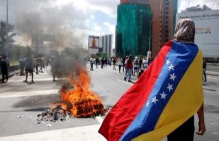 Trump'tan Venezuela'ya asker mesajı