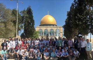 MÜSİAD heyeti Filistinlilere destek için Mescid-i...