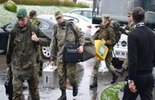 Hollanda, Mali ve Afganistan'daki askerlerinin görev...