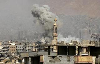 Suriye'de hava saldırıları: 2'si çocuk 19 ölü