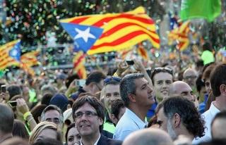 İspanya hükümetinden Katalonya'ya 48 saat süre