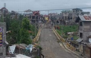 Filipin askeri, Marawi'ye girişi sağlayan köprüyü...