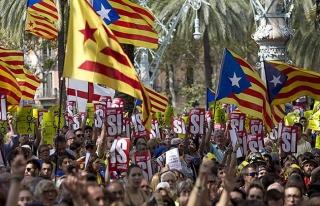 Katalonya'da 'tek taraflı bağımsızlık' ilanı...