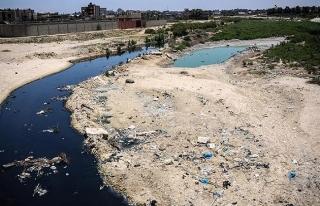 Gazze'deki elektrik krizinin yol açtığı su kirliliği...