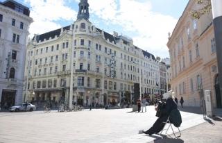 Avusturya'da burka yasağı sokak sanatçılarını...