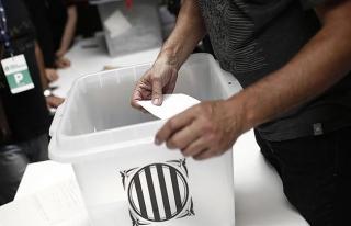 Katalonya, tartışmalı referandumun resmi sonuçlarını...