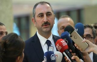 Bakan Gül'den tutuklu konsolosluk görevlisiyle ilgili...
