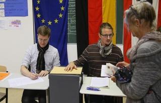 Almanya'daki genel seçimlerin resmi sonuçları açıklandı