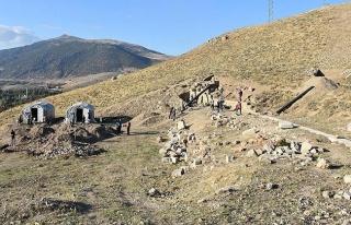 Apameia'daki antik tiyatro gün yüzüne çıkarılacak