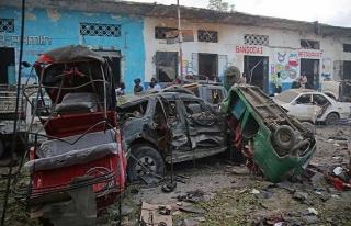 Somali'de bombalı araçla saldırı: 7 ölü, 10...