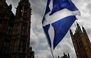 İskoç parlamentosunda alarm
