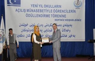 IKBY'deki Türkmen okullarında başarılı öğrencilere...