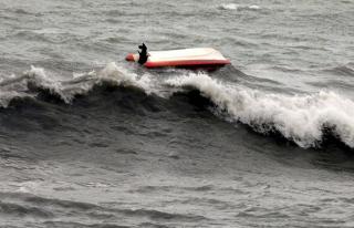 Hindistan'da tekne alabora oldu: 13 kişi boğuldu