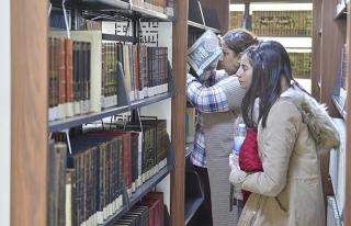 Güneydoğu'nun en büyük kütüphanesi Mardin'de...