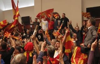 Makedonya'da muhalefete 'dokunulmazlık kaldırılması'...