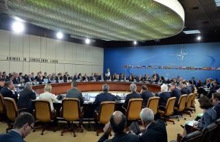 NATO dışişleri bakanları yarın Brüksel'de bir...
