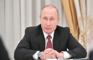 Putin: Rus üslerine yapılan saldırıların arkasında...